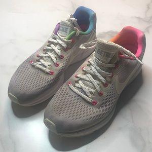 Nike Zoom Pegasus Betrue Running Shoes